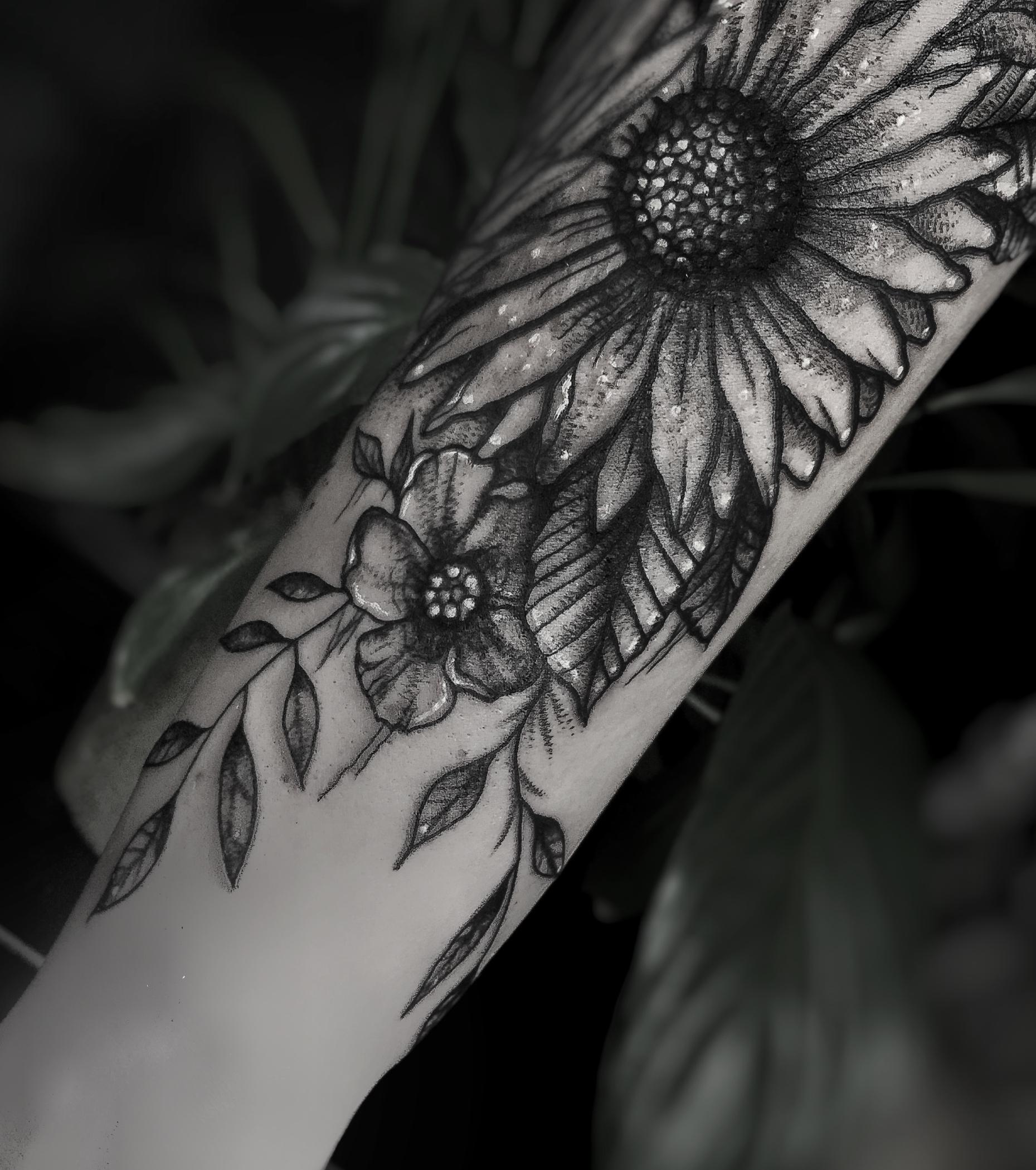Inksearch tattoo Emanuela Latoszek - Niedelikatność