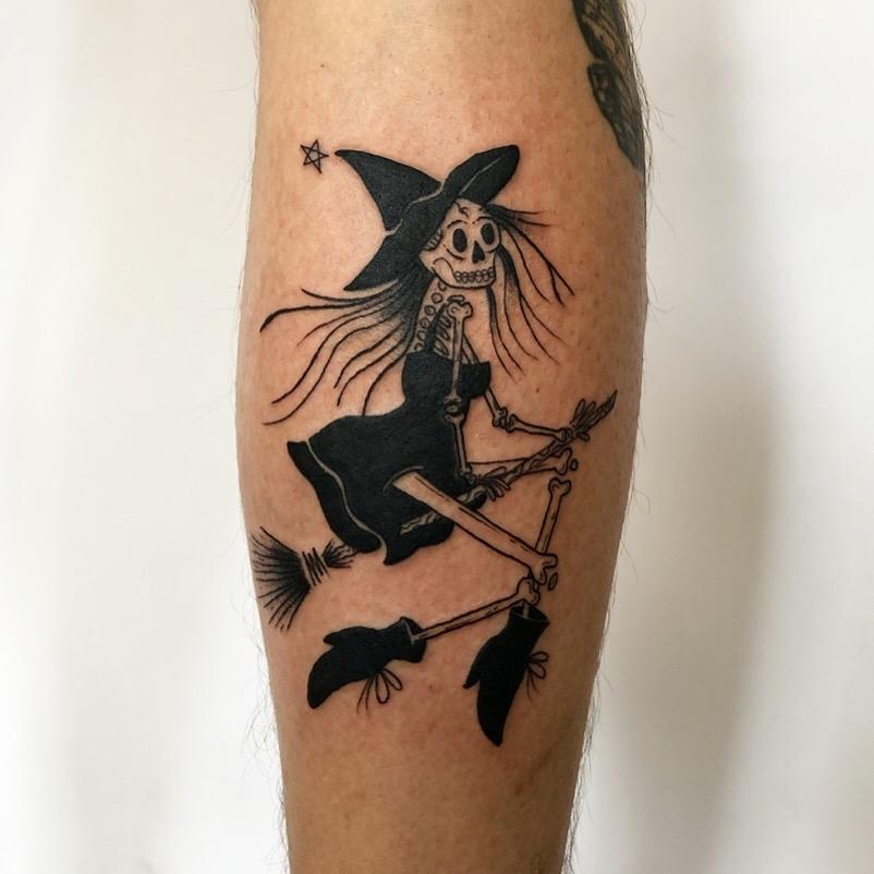 Inksearch tattoo Krzywa Kreska