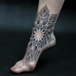 Geometric Johny inksearch tattoo